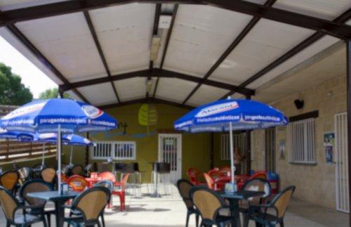 Bar Camping Riezu Terraza .Png