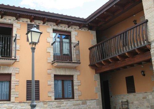 Zazpiate apartments (Abarzuza)